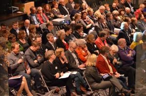 130227 - volle zaal deelnemers Raad in stelling